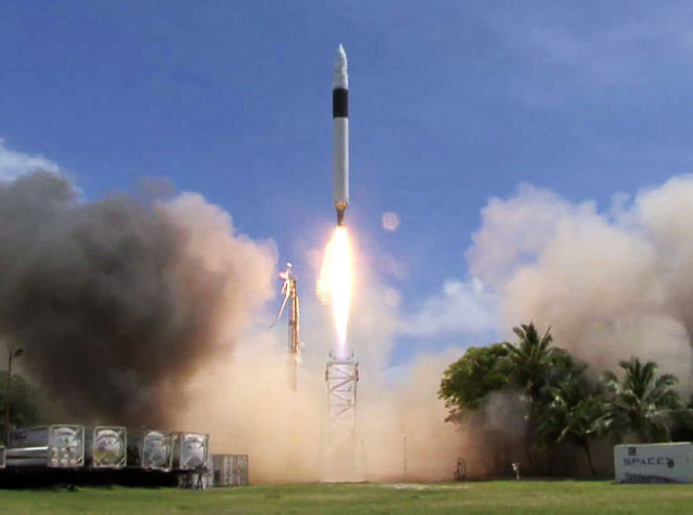September 28, 2008 Space Exploration Technologies Corp. SpaceX  announces that Flight 4 of the Falcon 1 launch vehicle has successfully launched and achieved Earth orbit. With this key milestone_ Falcon 1 becomes the first privately developed liquid fuel rocket to orbit the Earth.