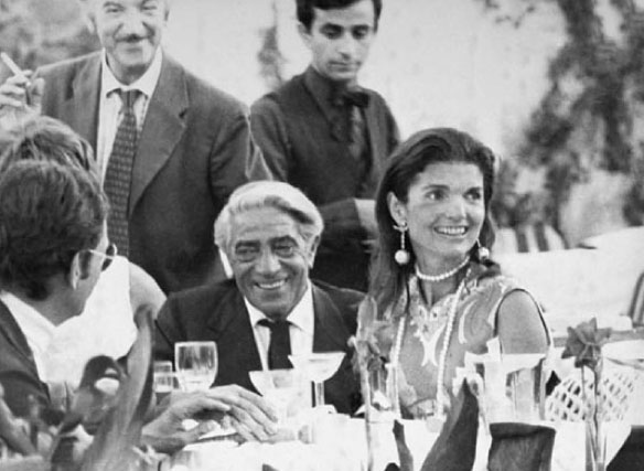 1968: Lady Jacqueline Kennedy marries Greek shipping tycoon Aristotle Onassis.