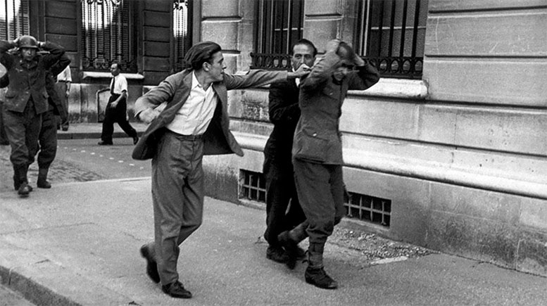 Paris liberated from the Nazis.       photo by Robert Capa