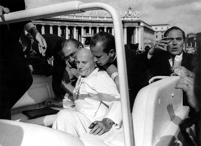 Pope Paul Vl moments after he was shot